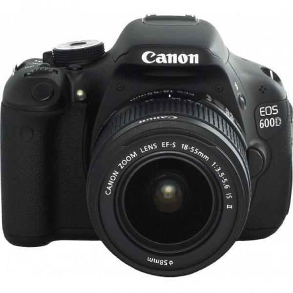 Зеркальный фотоаппарат Canon EOS 600D Ki...